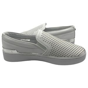 GUESS Women's DEANDA Perforated Slip-On Sneakers 6